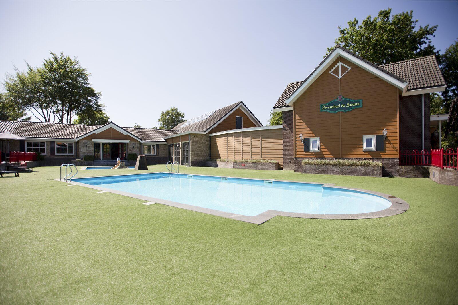 Zwembaden en sauna