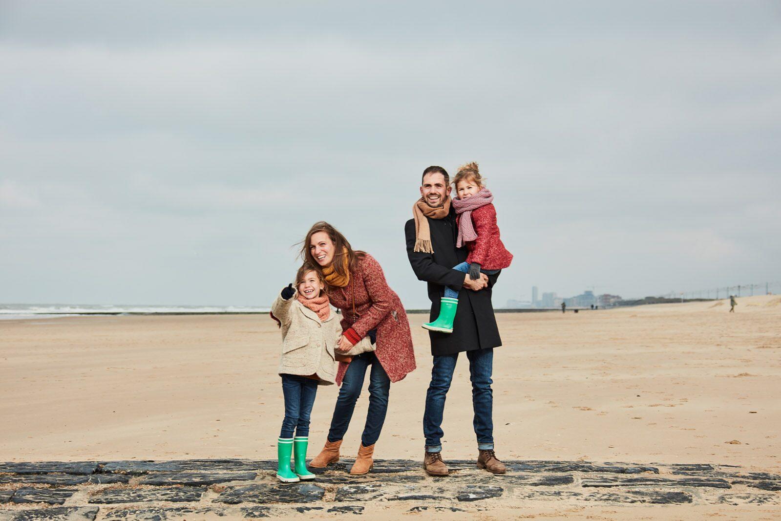 Famille sur la plage à Westende