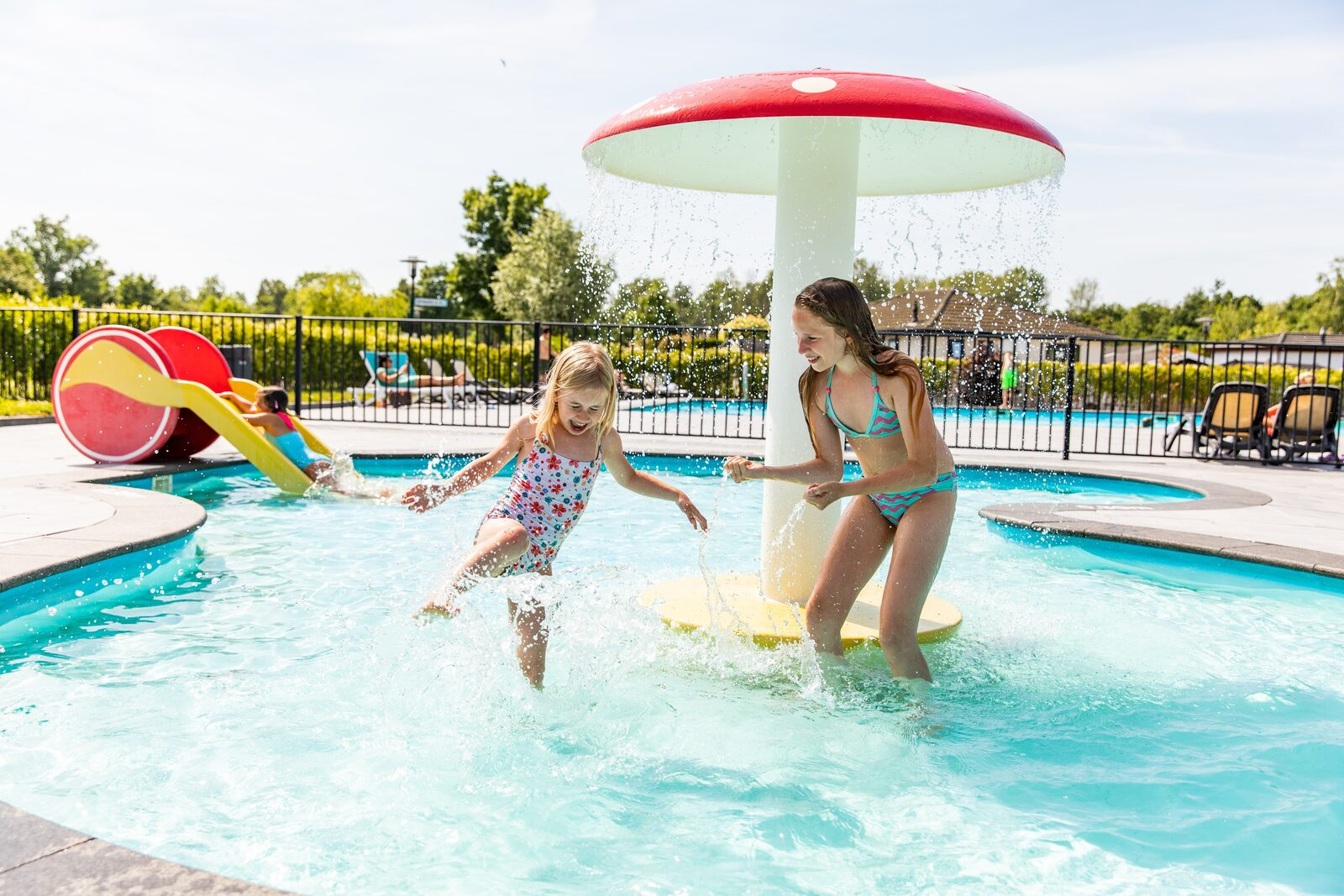 Why a swimming pool is a must-have during your summer holiday