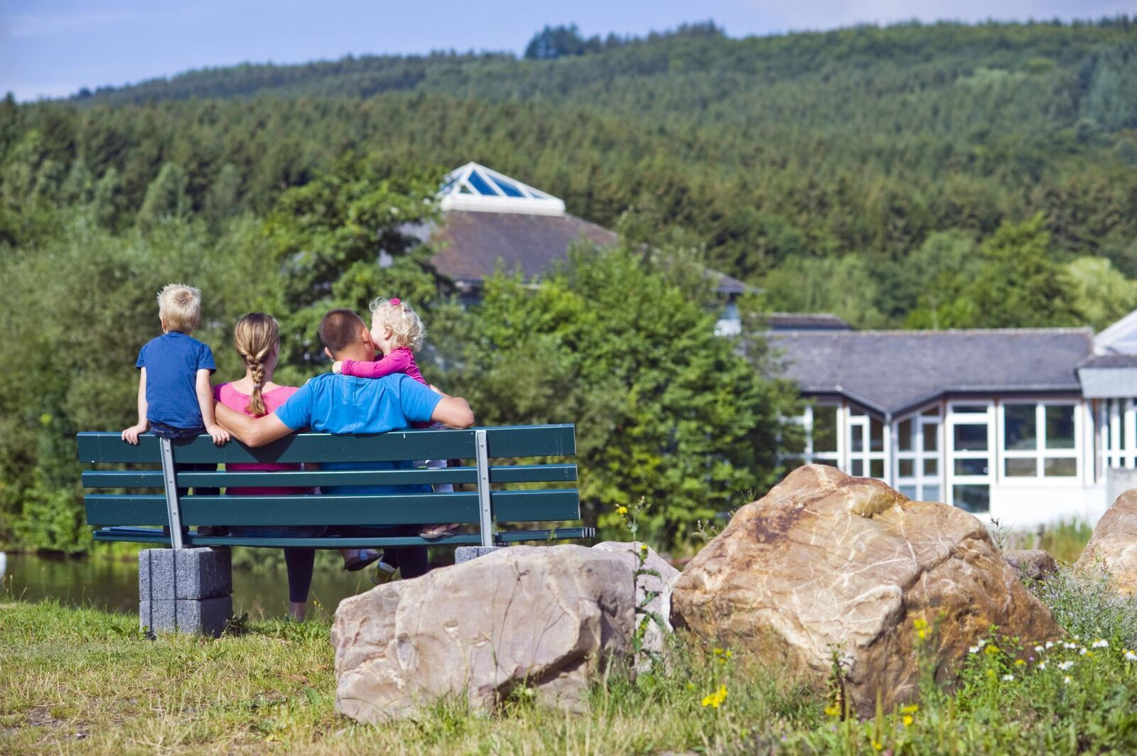Early booking discount holiday homes