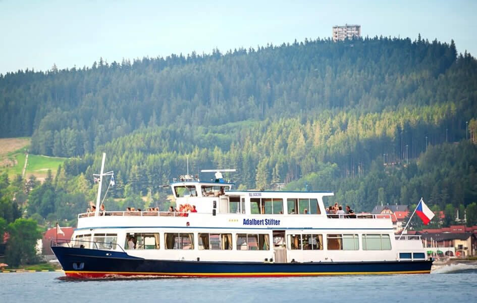 A sightseeing cruise on Lipno on the ship Adalbert Stifter
