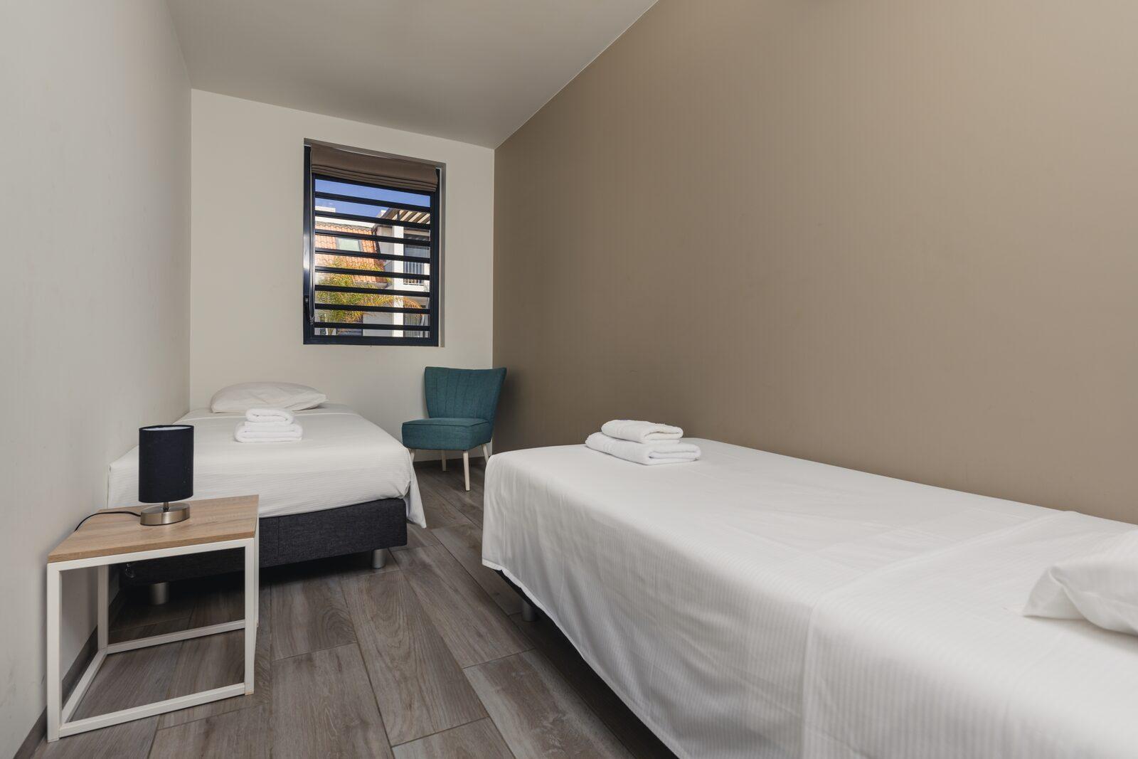 Das Resort Bonaire bietet geräumige Schlafzimmer, an die ein Balkon anschließt. Schauen Sie sich unsere verfügbaren Unterkünfte an!