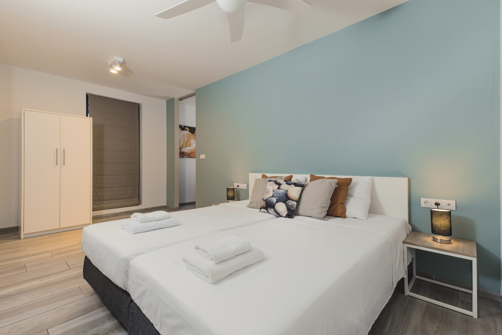 Would you like a holiday to Bonaire? Resort Bonaire offers very spacious apartments on a beautiful resort.