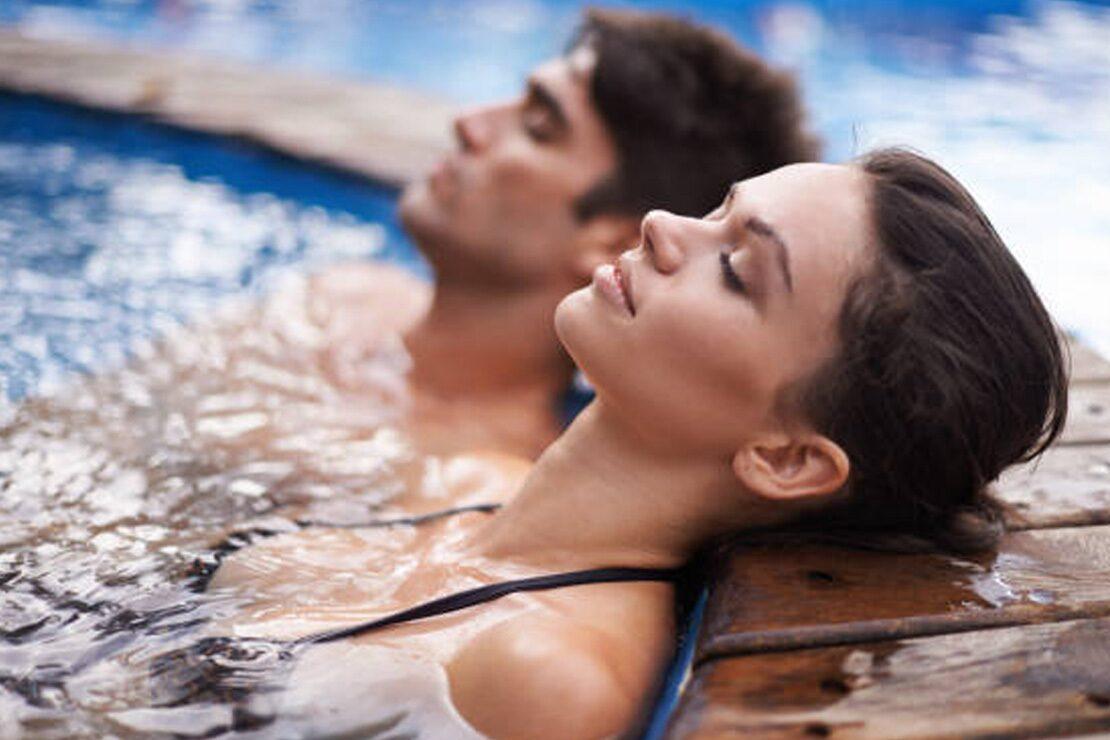 Ferienunterkunft mit Warmwasserbecken