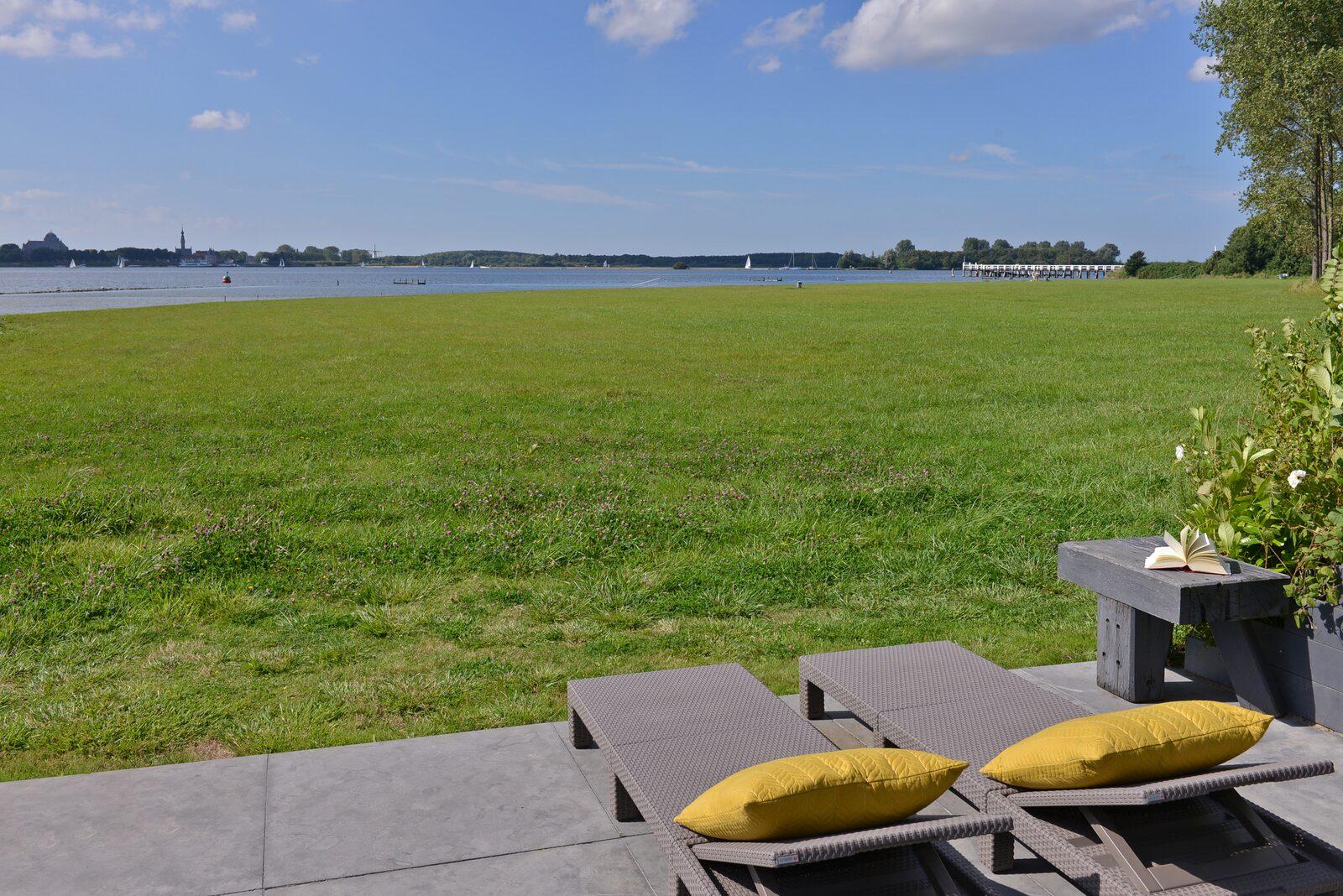 holiday home zeeland havenweg 12