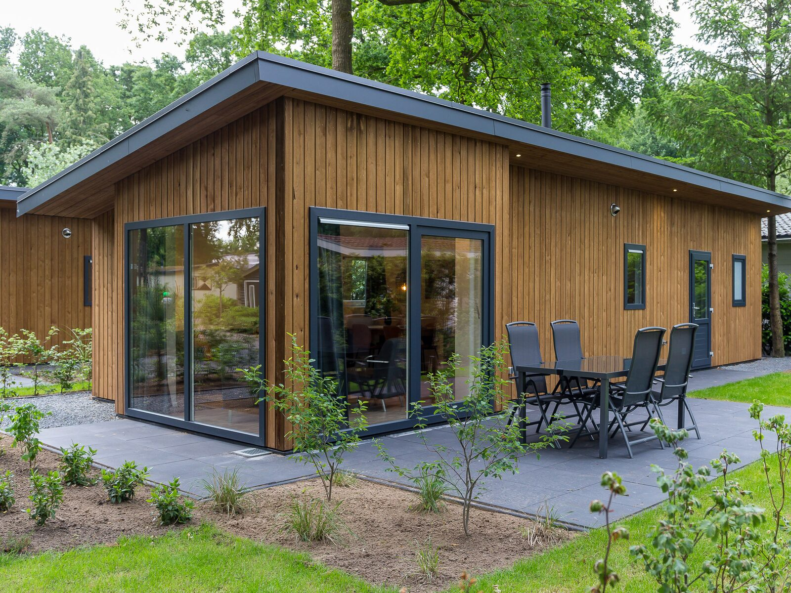 Eco Wood Lodge