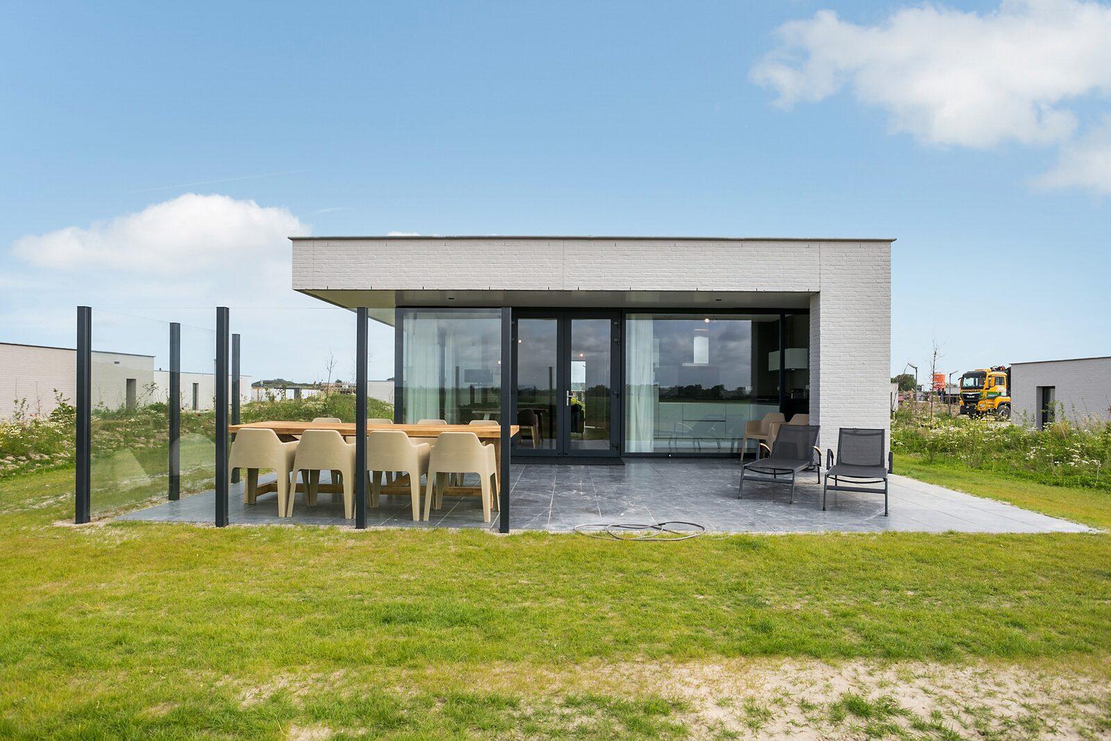 luxe vakantiehuis zeeland waterlijn 18 de groote duynen