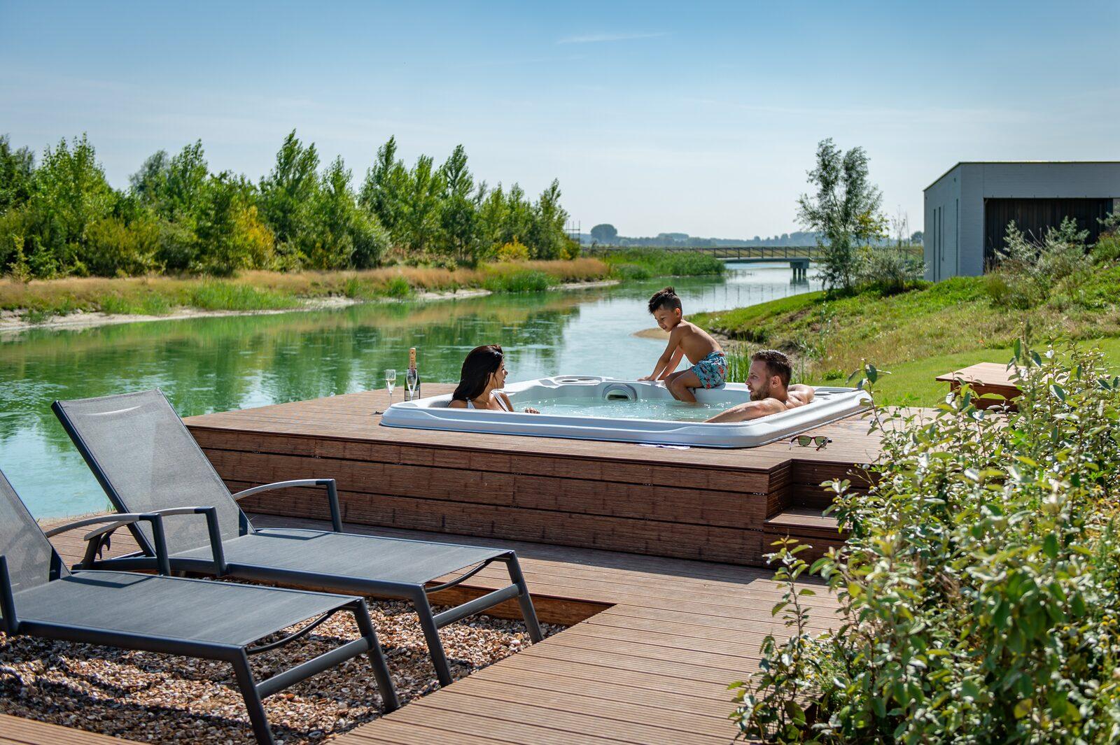 Luxus-Ferienhaus am Meer mit whirlpool