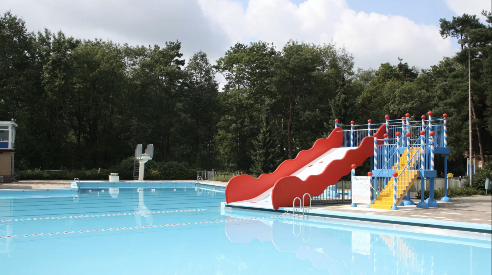 Buitenzwembad Twenhaarsveld