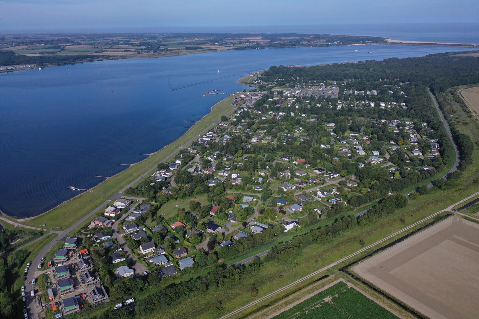 Holiday homes Ruiterplaat Vakanties in Zeeland on Veerse meer