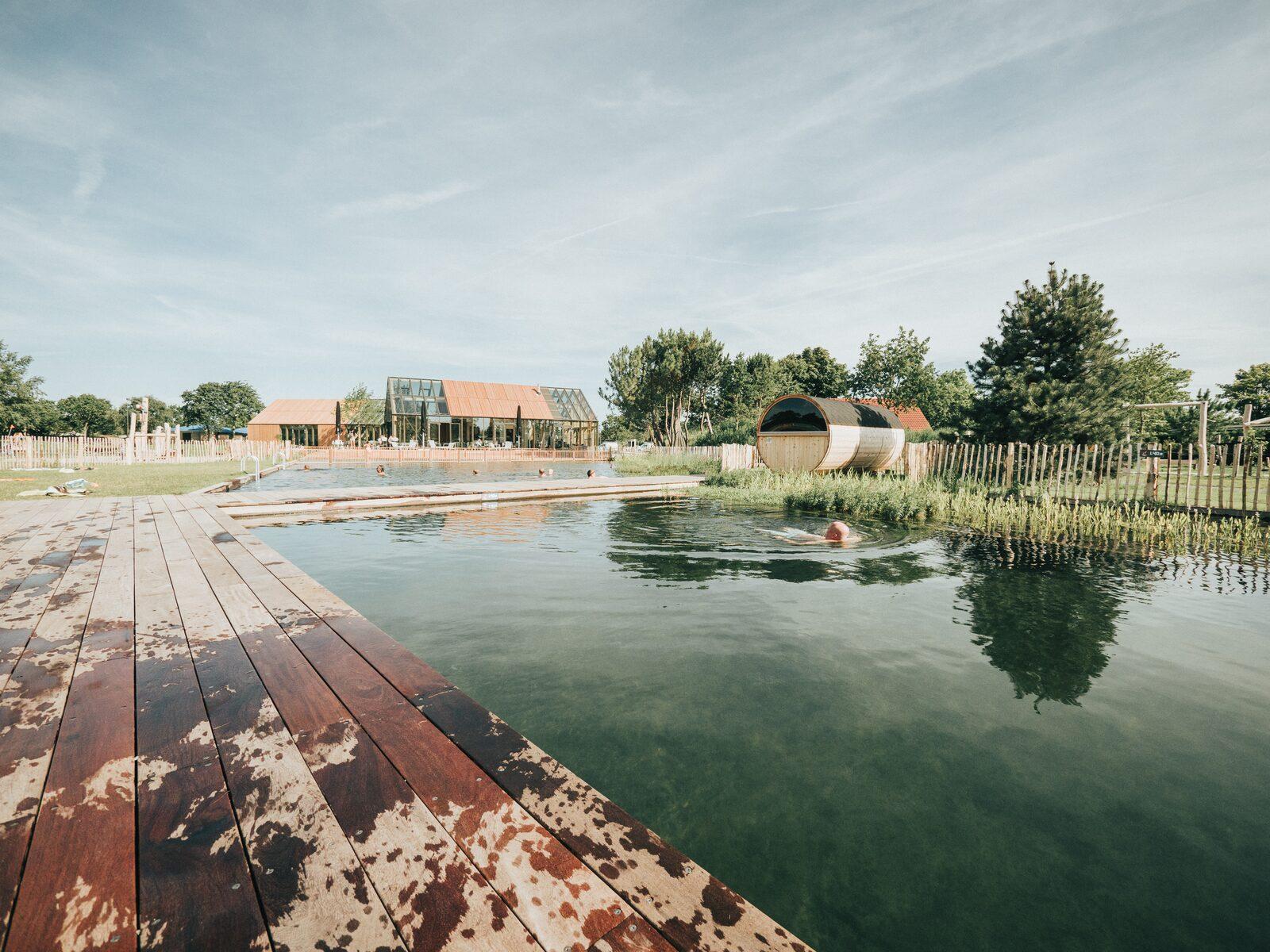 Zwemvijver op Vakantiepark De Klepperstee+