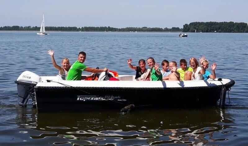 Motor boat rental