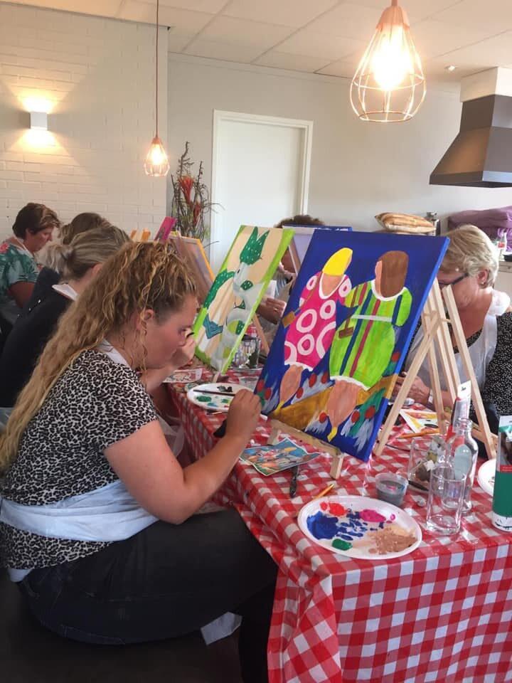 """Workshop painting """"fat ladies"""""""