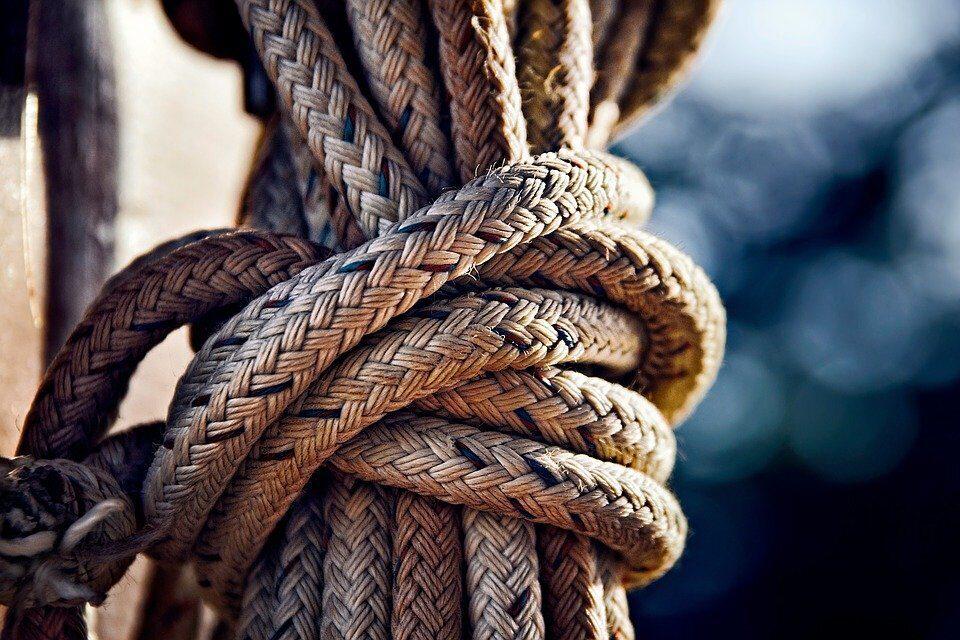 https://cdn.pixabay.com/photo/2016/01/19/17/28/rope-1149730_960_720.jpg