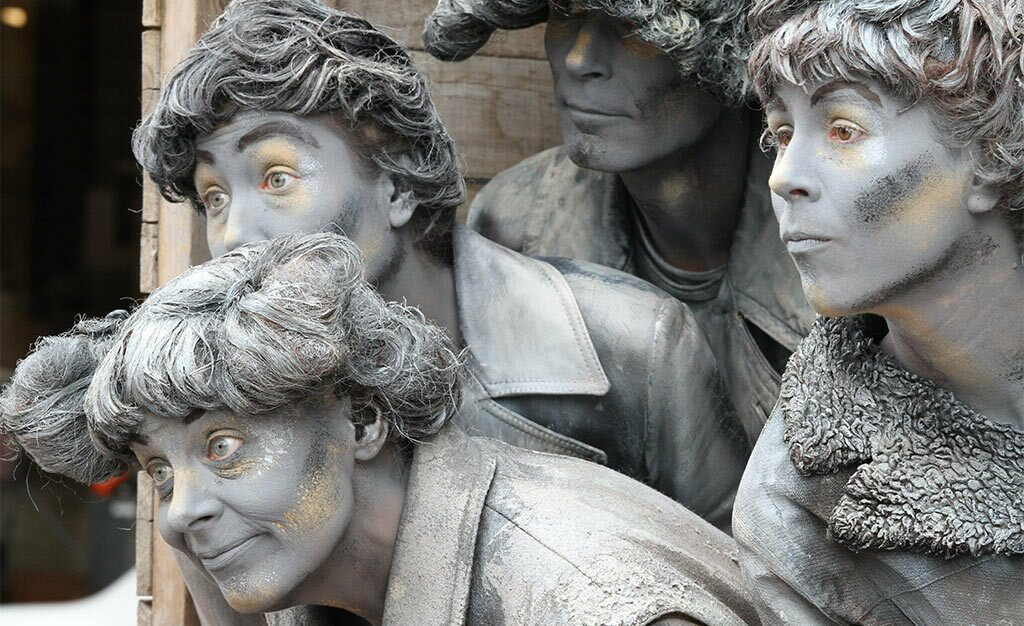 NK Living Statues