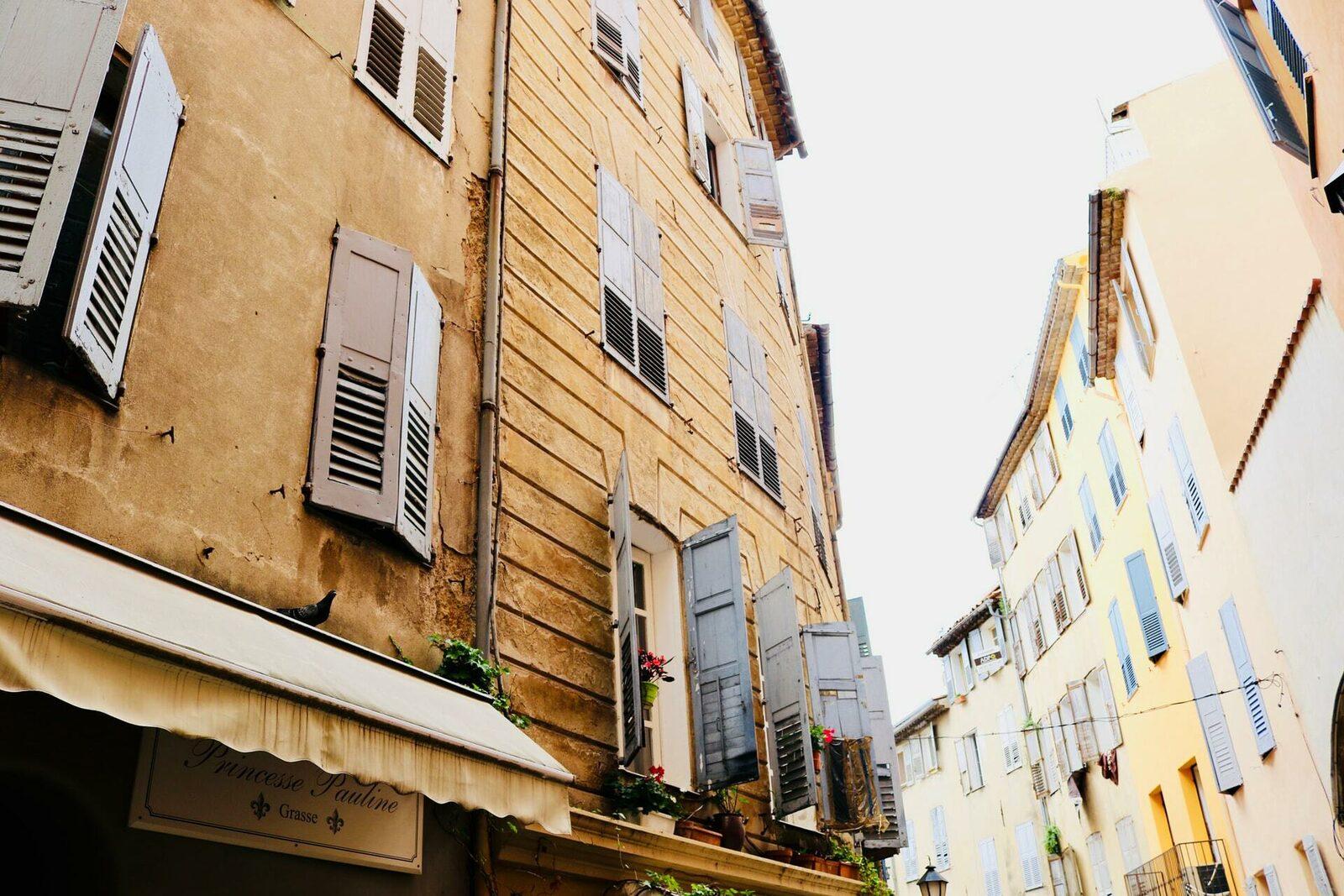 Ruelle à Grasse sur la Côte d'Azur