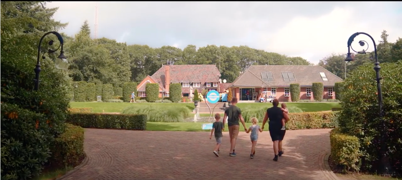 TopParken speelt met nieuwe reclamevideo in op toename vakanties in eigen land