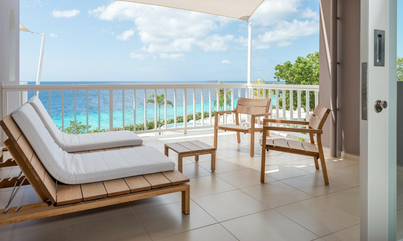 Emy | ''Het uitzicht op de Caribische zee''